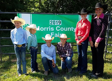 Left to Right: Horse Showmanship Winners in their perspective classes: Taylor Tiffany, Ainsley Tiffany, Ransom Tiffany, Gavin Carson, Michelle Patry, Delayna King a