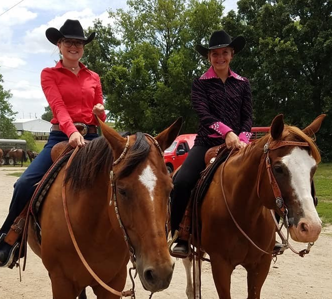 Sr Horse Showmanship Winners 2019: Michelle Patry, Champion, Delayna King, Res Champion
