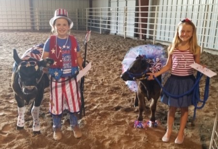 Bucket Calf Costume Contest